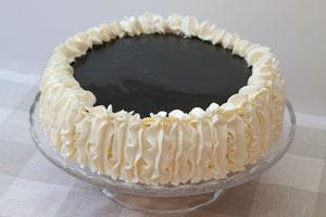 Sitruuna-lakritsikakku