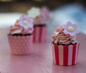 mansikka-suklaakuppikakut_lisakuva