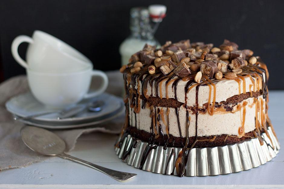kinuskia kakun päälle
